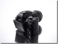 Nikon D5000, la prima reflex con monitor LCD ad angolazione variabile