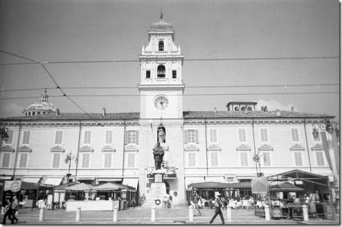 11 - Parma, Piazza Garibaldi, Cherry.Lisa