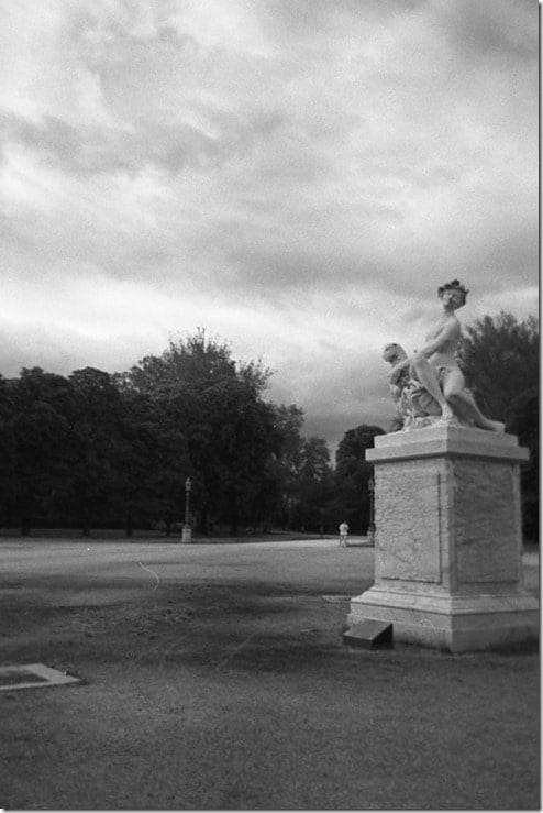 14 - Parma, Ninfetta al parco ducale e corridore con temporale in arrivo, Tito Andronico