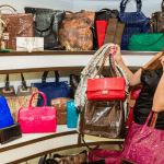 donna-shopping