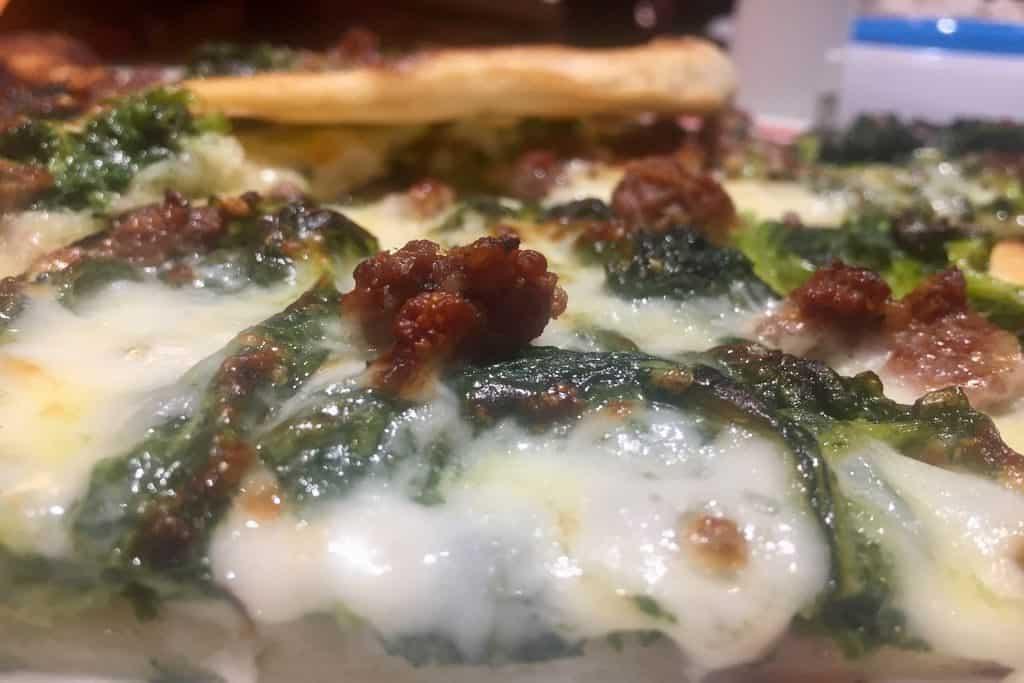 come fare la pizza a casa 5 1024x683 - Come fare la pizza a casa: ricetta, video e consigli dell'etrusco